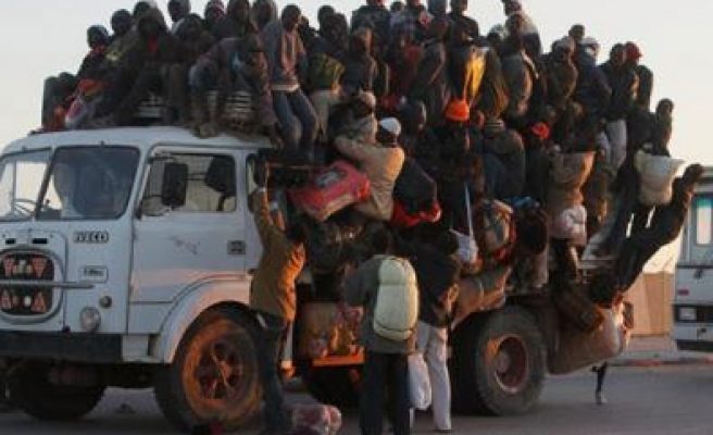 Libya deports hundreds of African immigrants