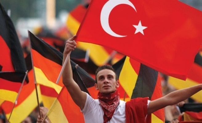 Turks in Germany to have dual citizenship right