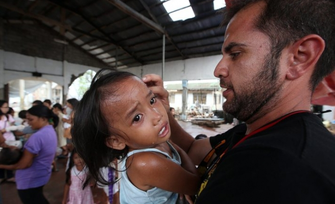 Devastation left by 'Haiyan' moves aid workers to tears