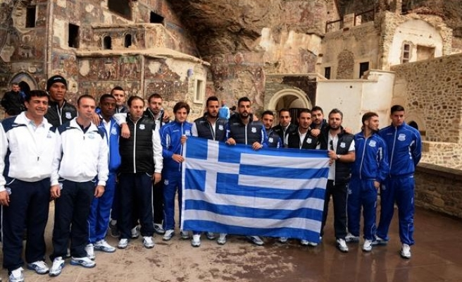 Greek Cypriot team unfurls Greece flag in Trabzon