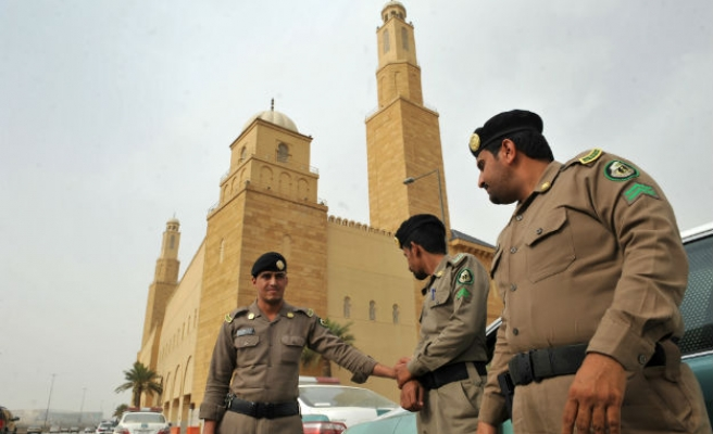 3 Saudi sentenced to death for 2003 bombing