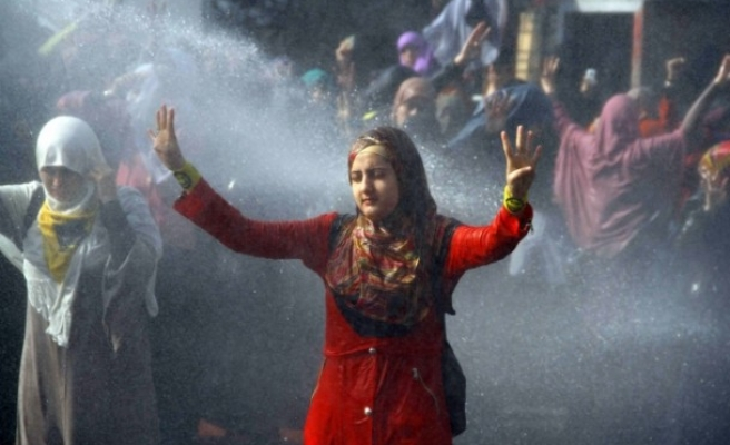 Pro-Morsi students stage 'surprise' protest in Tahrir