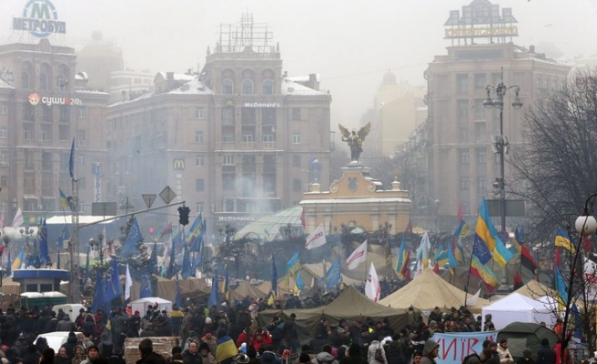 Ukraine leader signs laws against protests