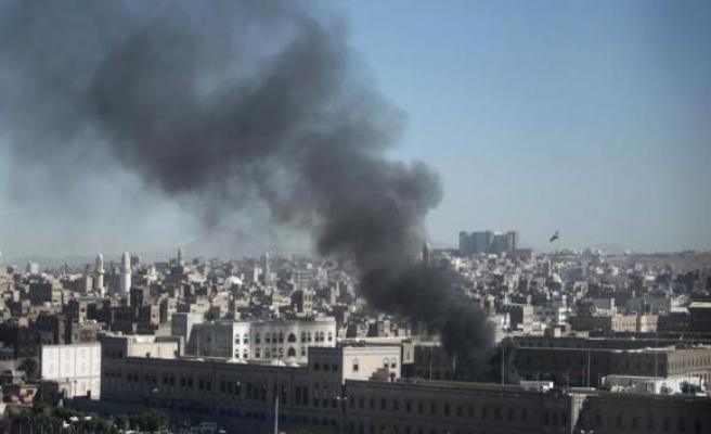 Militants attack army HQ in south Yemen, 6 soldiers killrd