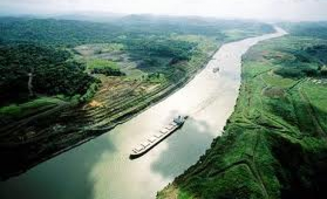 Panama Canal, consortium reach deal to finish work