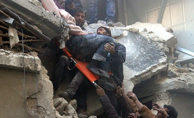 Air strike kills 33 in Syria's Aleppo - monitoring group