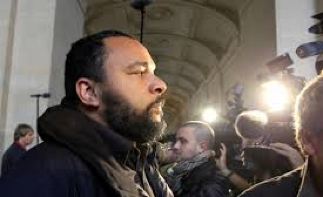 France to ban comedian Dieudonne over holocaust denial