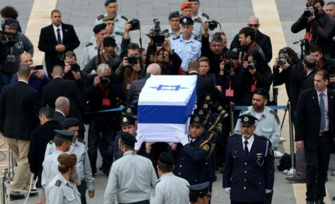 Sharon to be buried at Negev Desert- UPDATED