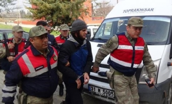 Two Russians arrested on Turkish-Syrian border