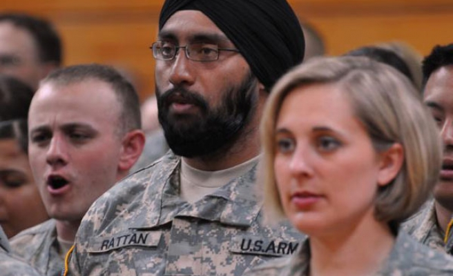 US military eases rules on religious wear, beards