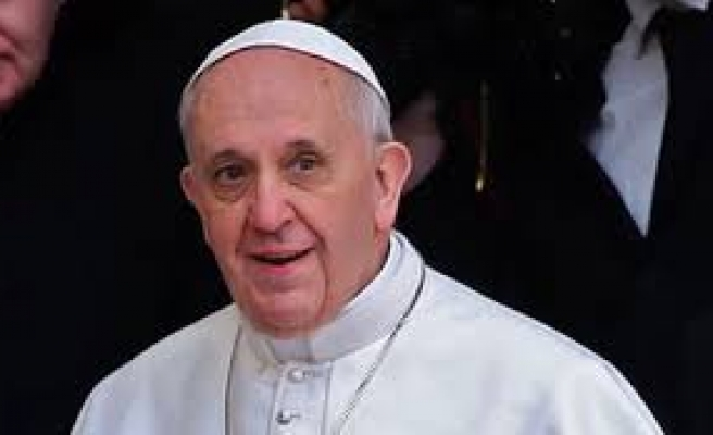 Pope calls for dialogue in Ukraine