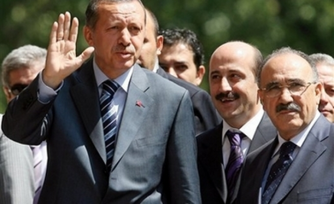 Turkish PM to visit Great Britain, France
