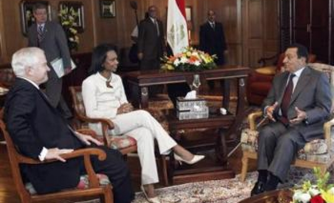 Rice, Gates in Egypt to persuade Arabs