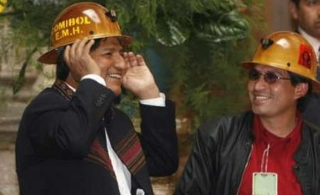 Bolivia's president nationalizes tin deposit