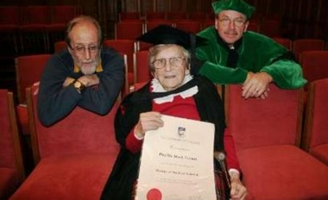 Great-great-granny earns masters degree at 94