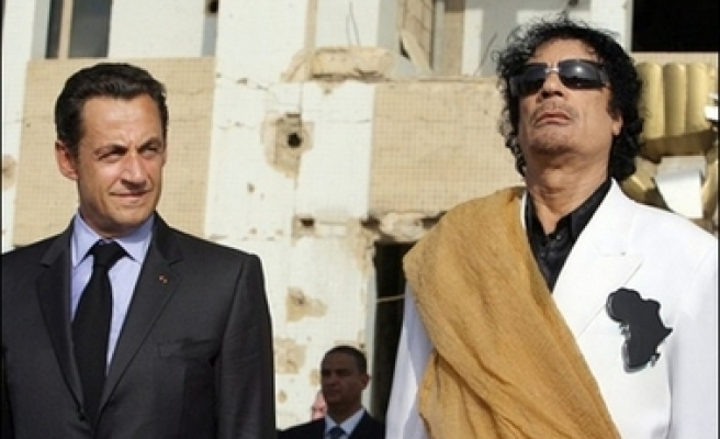 Libya signs arms deal with French firms