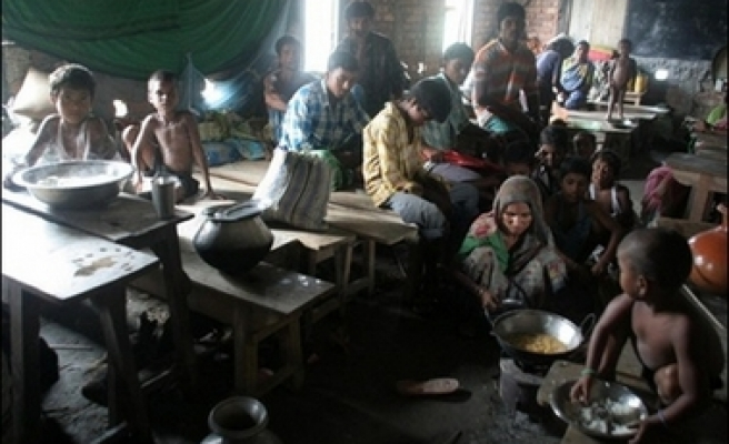 Desperation for India's flood victims