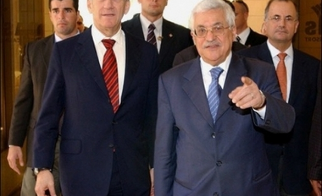 Abbas and Olmert meet in Jericho