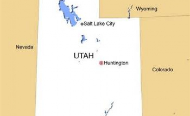 Six miners trapped after Utah coal mine collapses