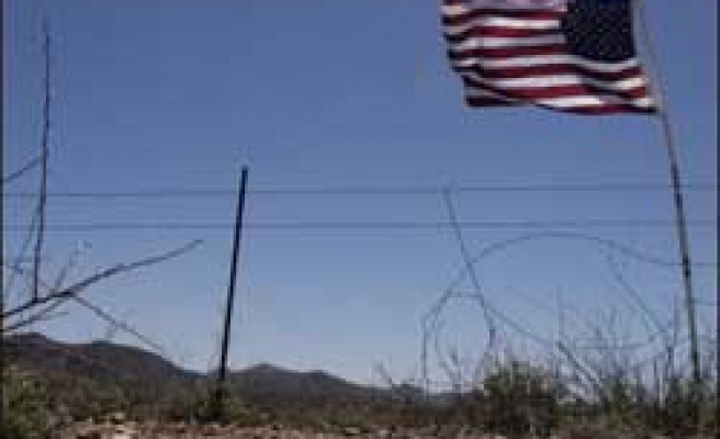U.S. border cop charged with murdering Mexican