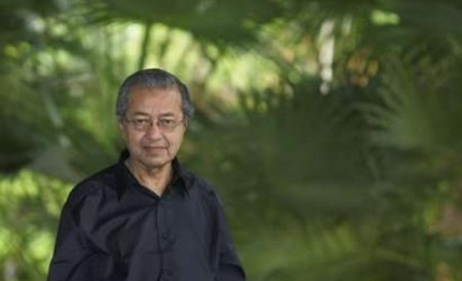Mahathir slams West for robbing poor nations of human resources