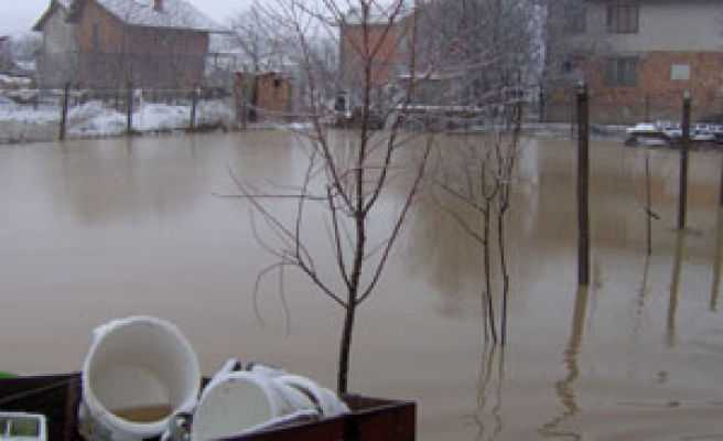 Six drown, four missing in Bulgarian floods