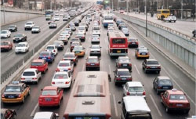 Beijing to take 1.3 million cars off streets in anti-pollute test drive
