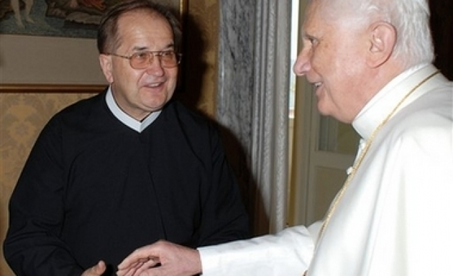 Vatican plays down Pope's meeting