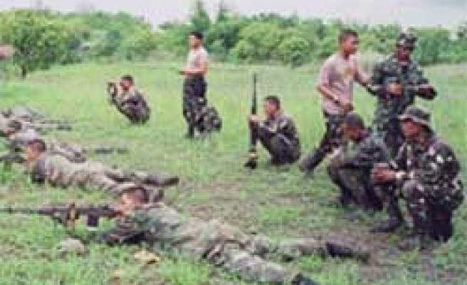 Philippine army in new offensive