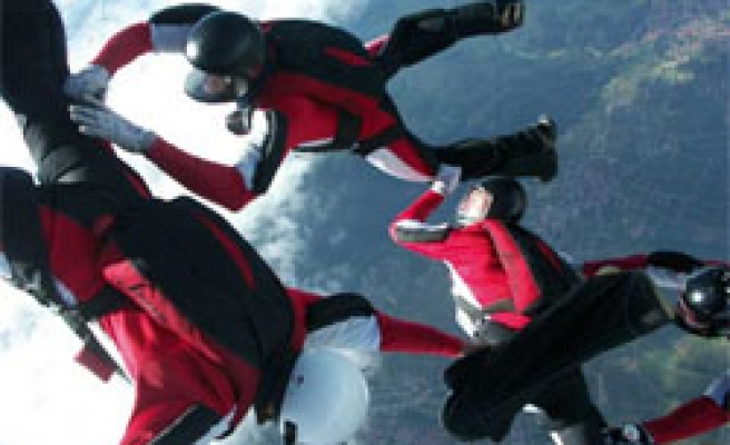 83-Year-Old Skydiver Reaches 100 Jumps