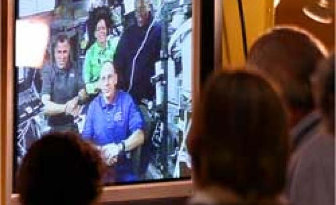 Astronaut Teaches in Space, and Lesson Is Bittersweet