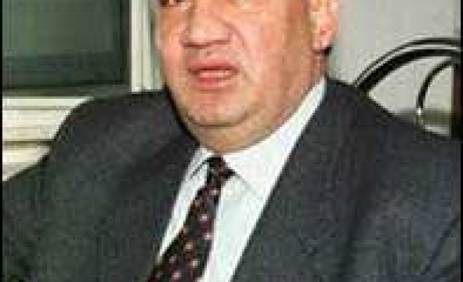 Syria bars opposition leader from foreign travel