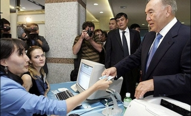 Kazakh ruling party sweeps opposition aside in polls