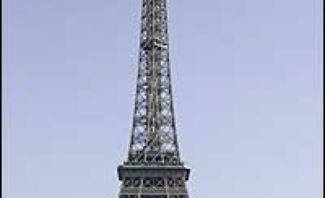 Eiffel Tower 'most disappointing' tourist spot