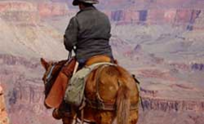 Man Rides Mule From Minn. to Wyo.