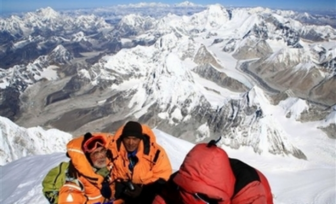 Everest tragedy exposes big business behind noble pursuit