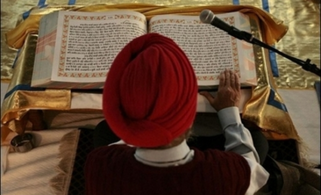 US Sikhs outraged by turban search policy
