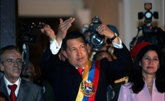 Chavez to change country's time zone by 30 minutes