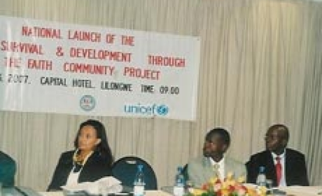 UNICEF Uses Qur'an to Defend Malawi Kids