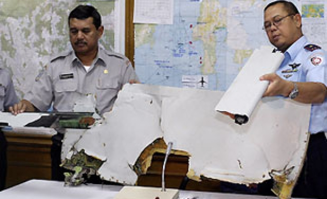 Indonesia jet 'black boxes' found