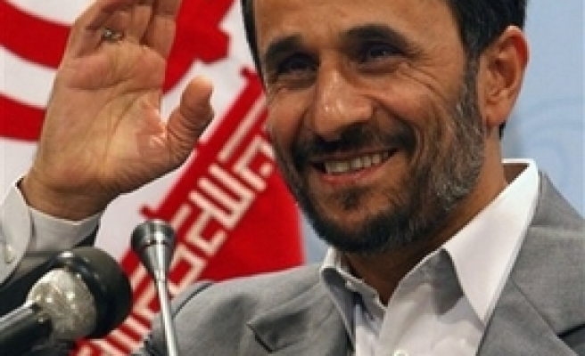 Ahmadinejad calls on West to close Iran's nuclear dossier