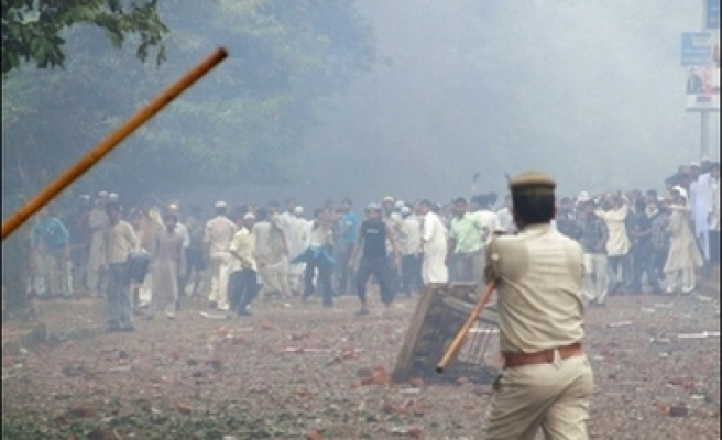 Clashes after 4 Muslim youths hit, killed by truck in India