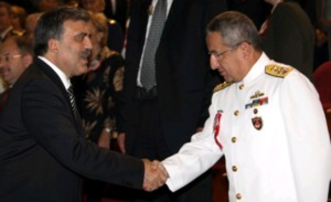 President Gül's first contact with army officers / PHOTO