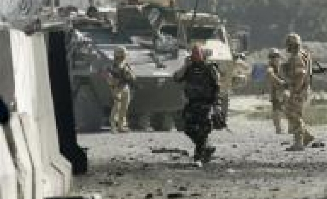 Suicide bomber strikes near Kabul airport