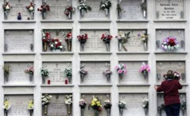 Online shrine, new way to pay tribute to dead