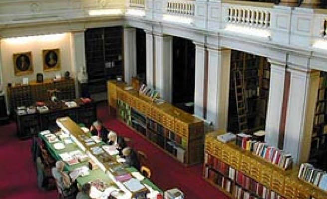 Britons Defend Free Speech in Libraries