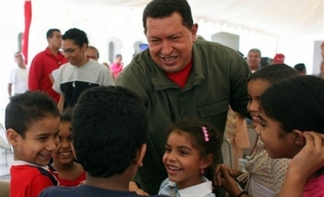 Colombian rebel leader contacts Chavez