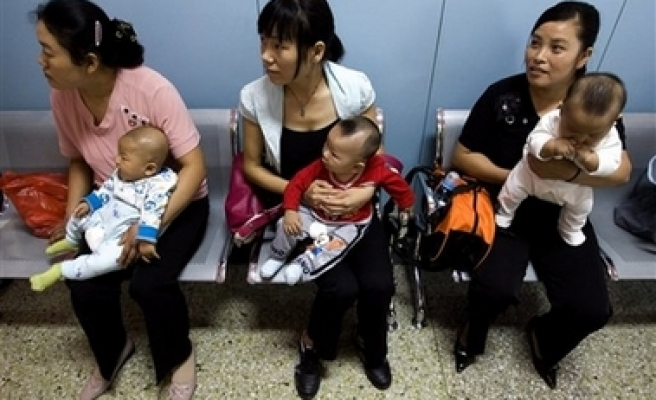 More Chinese women than men commit suicide