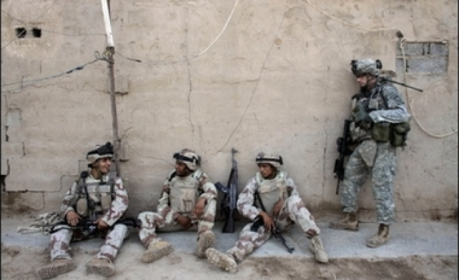 Baghdad attack wounds 11 U.S. soldiers