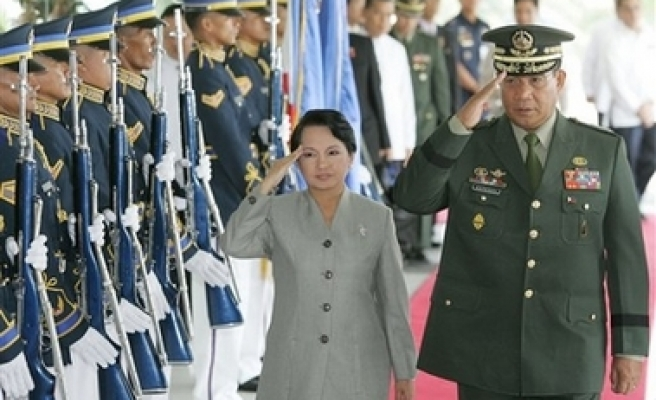 Arroyo: Philippine Gov't nearing peace pact with Muslim group